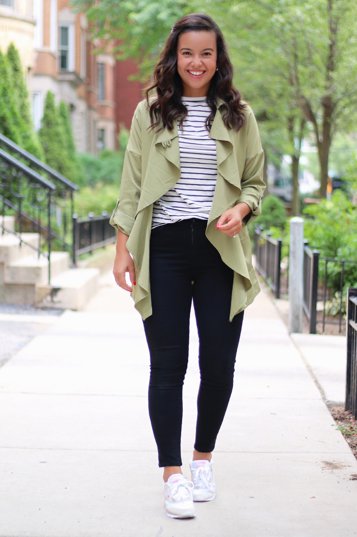 How to style sneakers? 3 chic (and easy!) looks for every occasion, How to style sneakers: 3 chic (and easy!) looks for every occasion